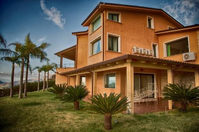 Villa in affitto a Borgetto, 6 locali, Trattative riservate | CambioCasa.it