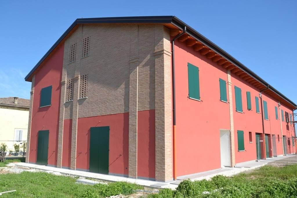 Appartamento in Vendita a Sant'Agata Bolognese Periferia: 3 locali, 105 mq
