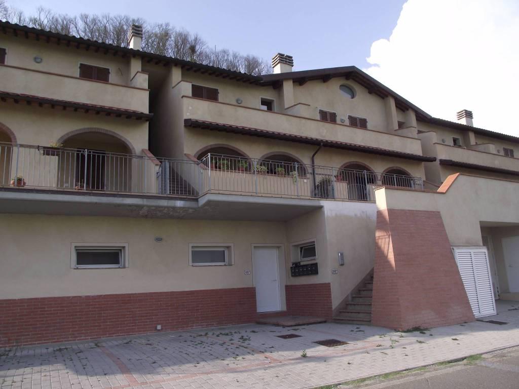 Appartamento in vendita a Santa Maria a Monte, 3 locali, prezzo € 120.000 | CambioCasa.it