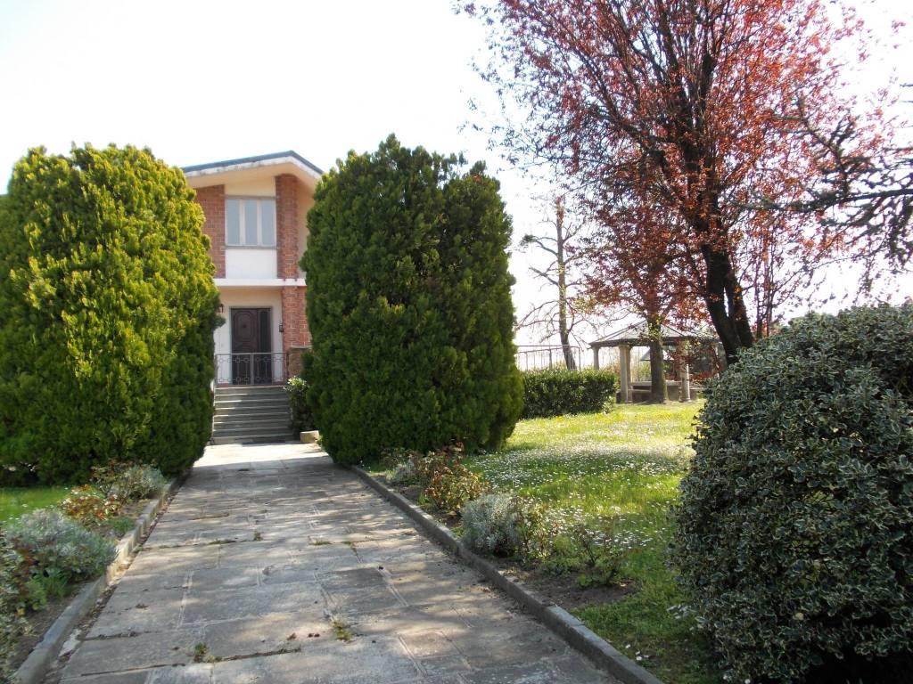 Villa da ristrutturare in vendita Rif. 8777824