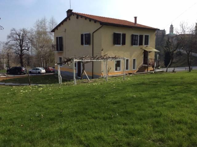 Appartamento in buone condizioni arredato in vendita Rif. 4204930