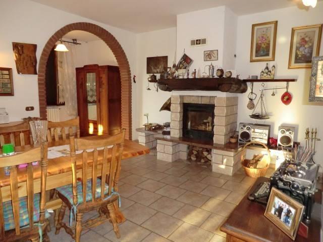 Villa in buone condizioni in vendita Rif. 4331754