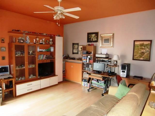 Appartamento in vendita a Canzo, 2 locali, prezzo € 88.000 | PortaleAgenzieImmobiliari.it