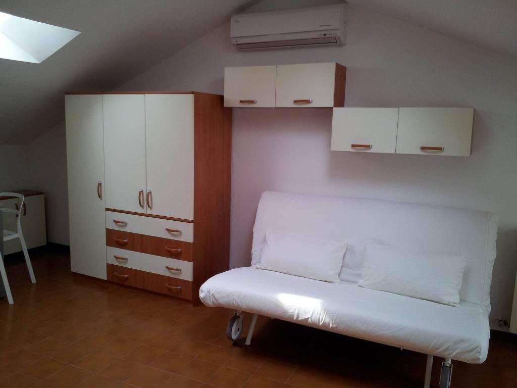 Attico in Affitto a Modena Centro: 1 locali, 44 mq