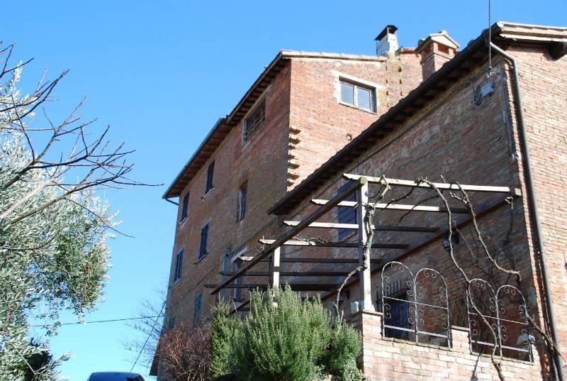 Casa indipendente in Vendita a Castiglione Del Lago: 4 locali, 56 mq