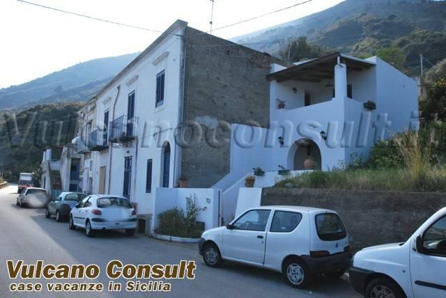 Appartamento in vendita a Santa Marina Salina, 4 locali, prezzo € 390.000 | PortaleAgenzieImmobiliari.it