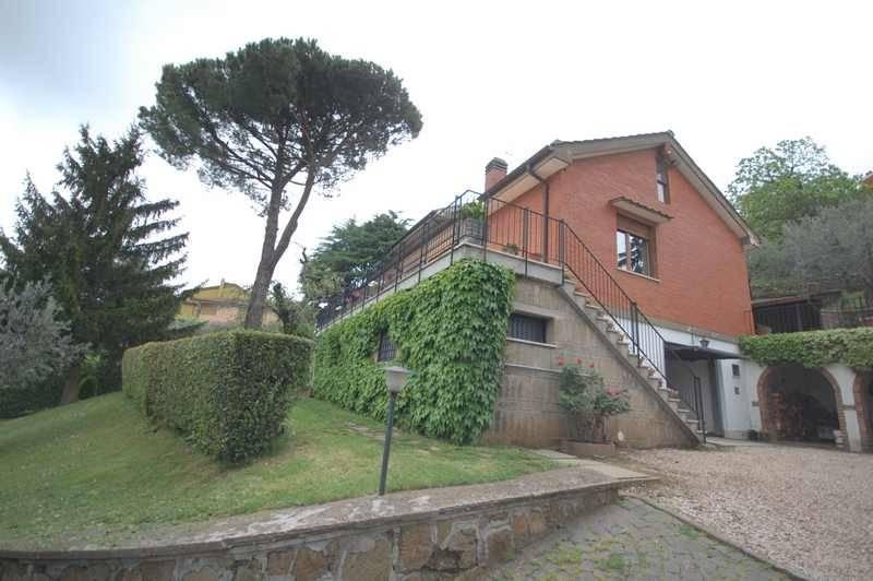 Villa in vendita a Monte Porzio Catone, 12 locali, prezzo € 620.000   CambioCasa.it