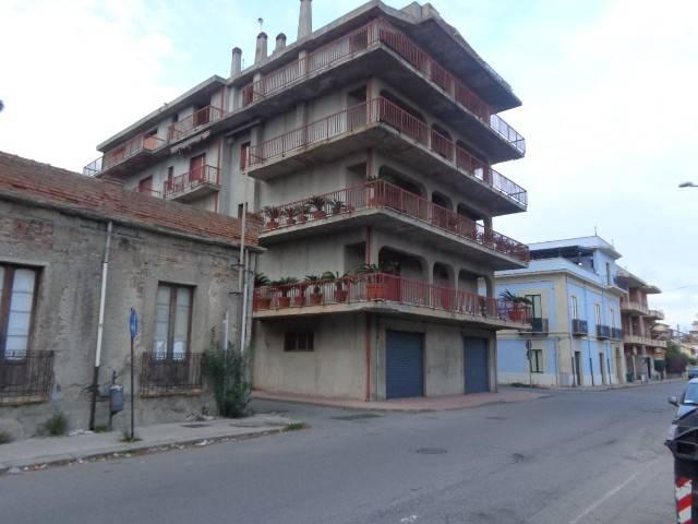 Appartamento in vendita a Bovalino, 7 locali, Trattative riservate | CambioCasa.it