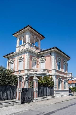 Palazzo-stabile Vendita Forte Dei Marmi