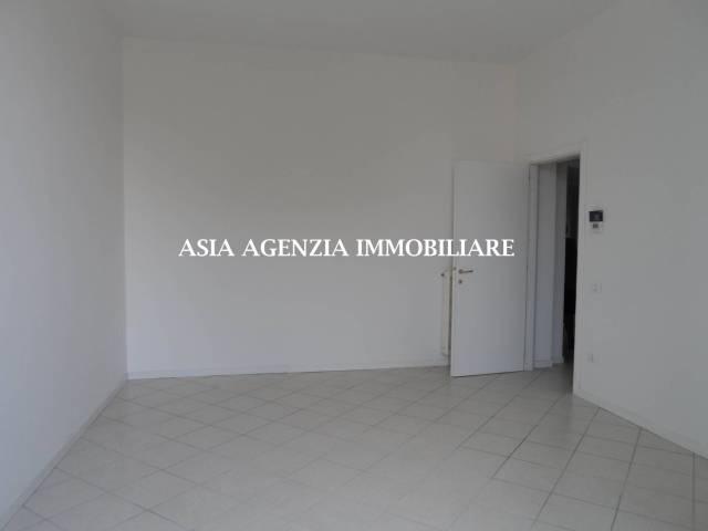 Appartamento in buone condizioni in affitto Rif. 4898974