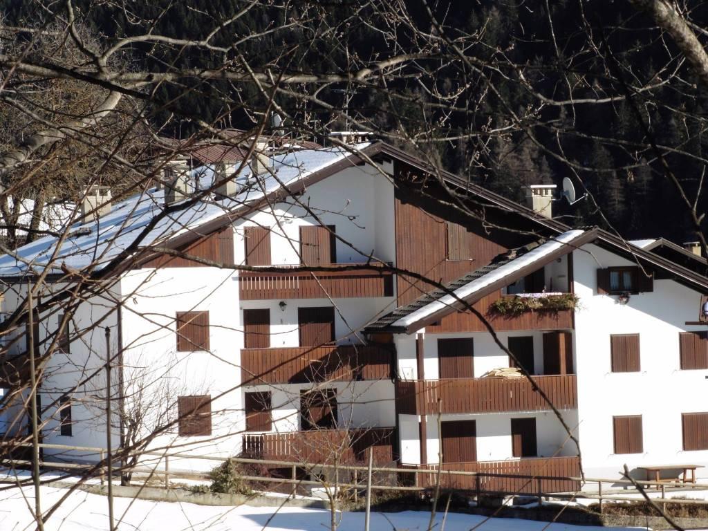 Appartamento in ottime condizioni arredato in vendita Rif. 8522738