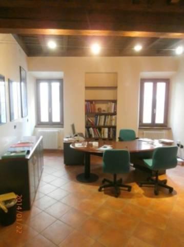 Ufficio / Studio in affitto a Mantova, 4 locali, prezzo € 550 | CambioCasa.it