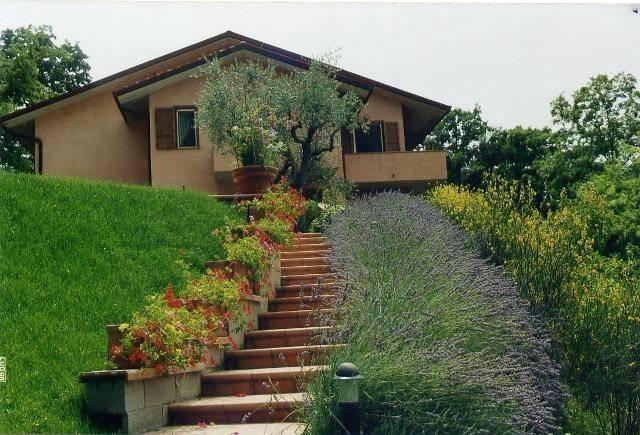 Villa in Vendita a Magione: 5 locali, 500 mq