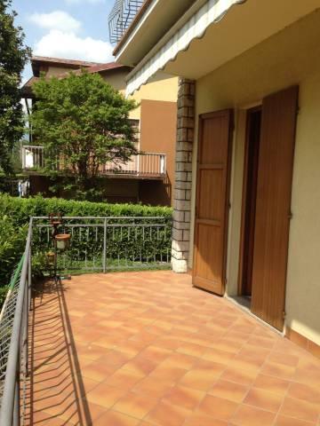 Appartamento in buone condizioni in affitto Rif. 4401241