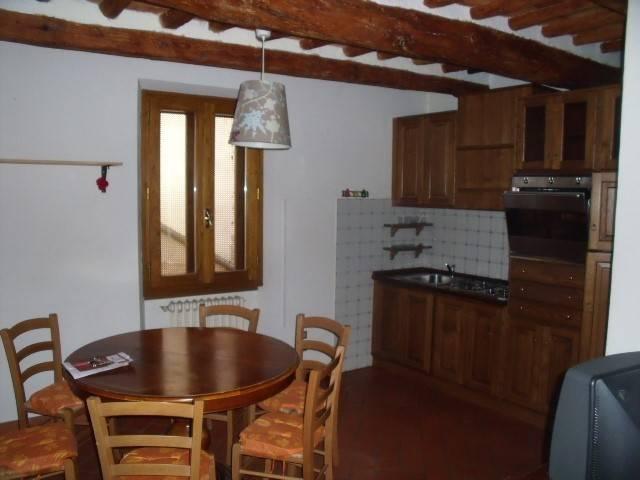 Appartamento in Affitto a Pistoia Centro: 2 locali, 45 mq