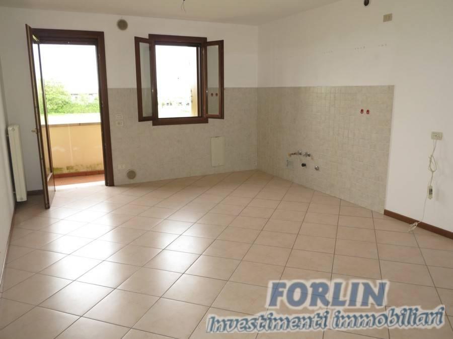 Appartamento in buone condizioni in vendita Rif. 8639017