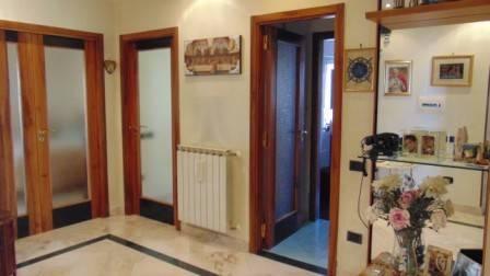 Appartamento in ottime condizioni in vendita Rif. 5023236