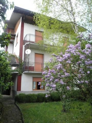 Palazzo / Stabile in vendita a Rota d'Imagna, 6 locali, prezzo € 250.000 | CambioCasa.it