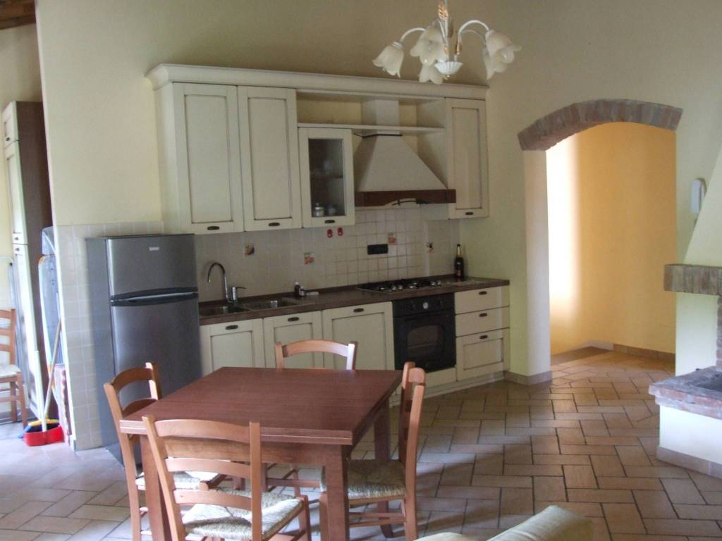 Appartamento in ottime condizioni arredato in vendita Rif. 8112130