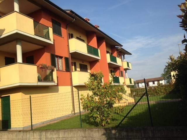 Appartamento in ottime condizioni in affitto Rif. 8287137