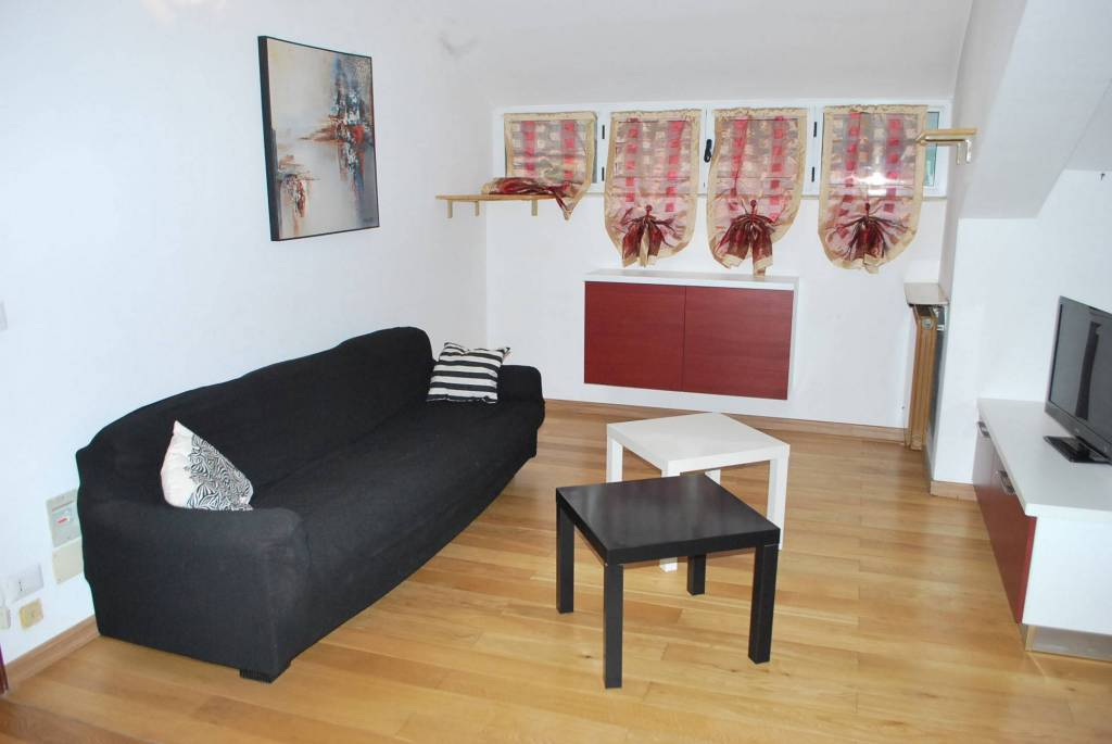 Appartamento in affitto a Alba, 2 locali, prezzo € 380 | CambioCasa.it