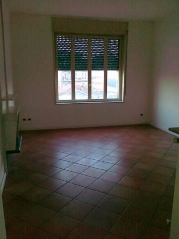 Appartamento in buone condizioni in affitto Rif. 4401246