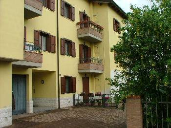 Appartamento in buone condizioni in vendita Rif. 4317445