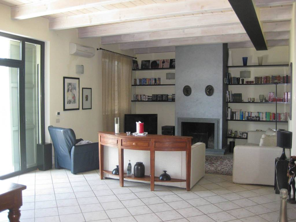 Villa in vendita Rif. 6916988