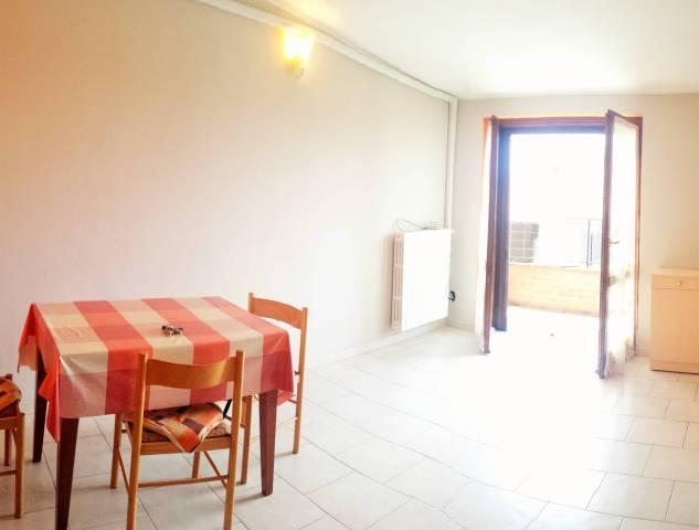 Appartamento in affitto a Crespiatica, 2 locali, prezzo € 380   CambioCasa.it