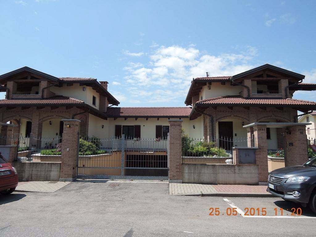 Villa in vendita a Osasio, 9999 locali, prezzo € 455.000 | CambioCasa.it