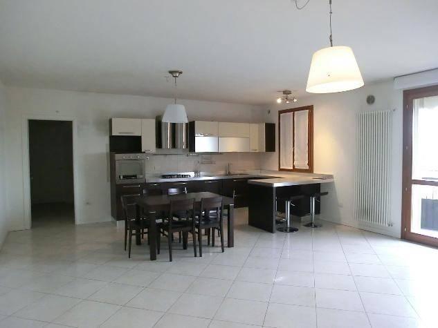 Sant'Agostino, appartamento recente su 2 livelli,
