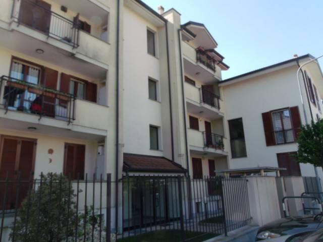 Appartamento in buone condizioni in vendita Rif. 8186893