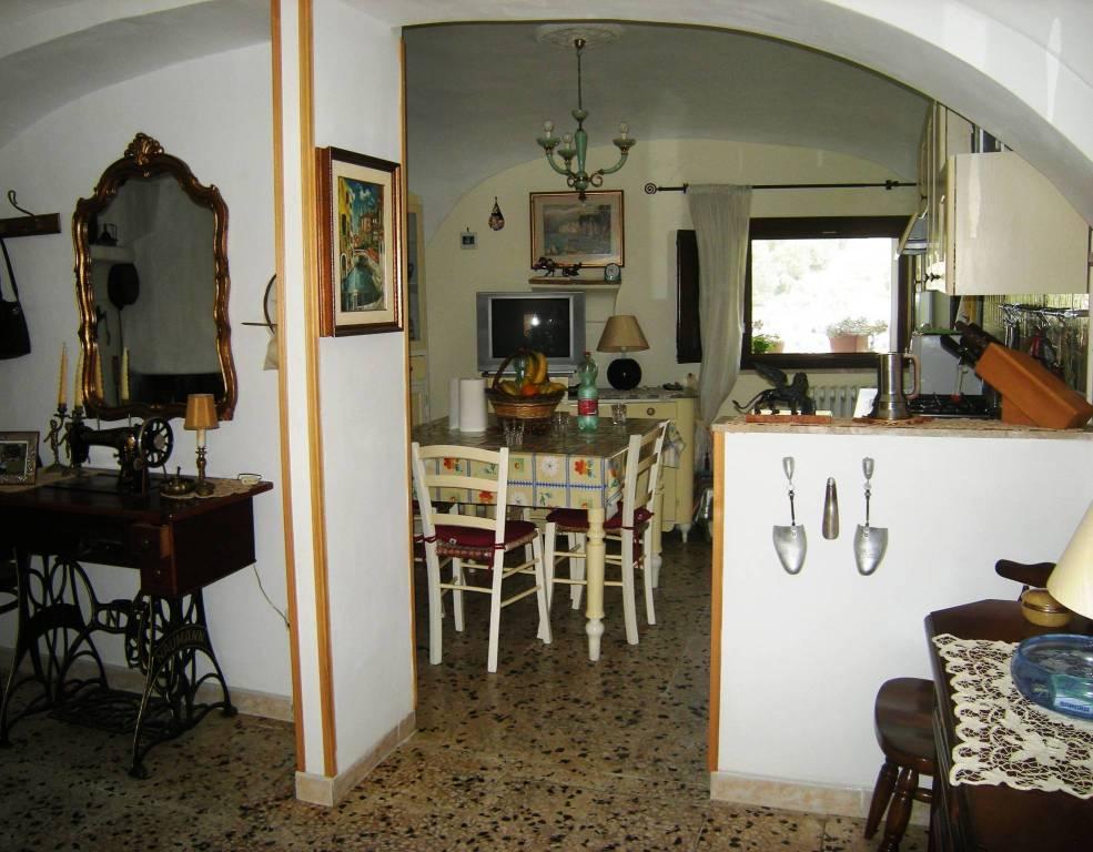 Casa Indipendente in ottime condizioni in vendita Rif. 8718398