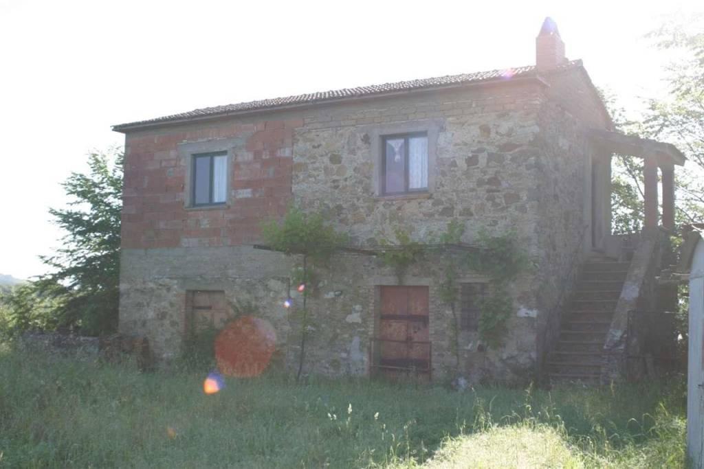 Rustico / Casale da ristrutturare in vendita Rif. 8230807