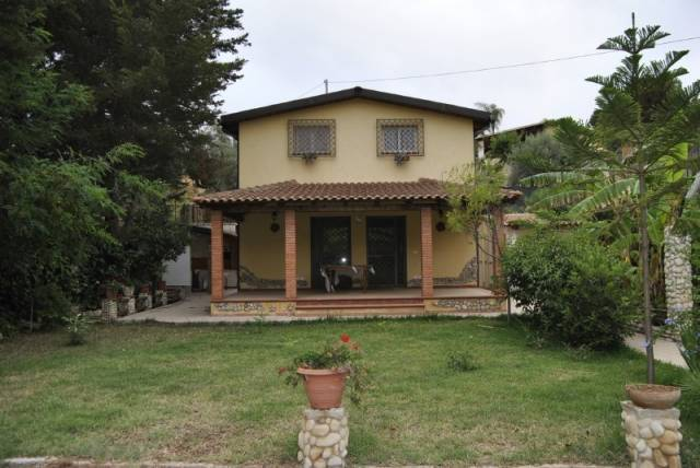 Villa in buone condizioni in vendita Rif. 5041606