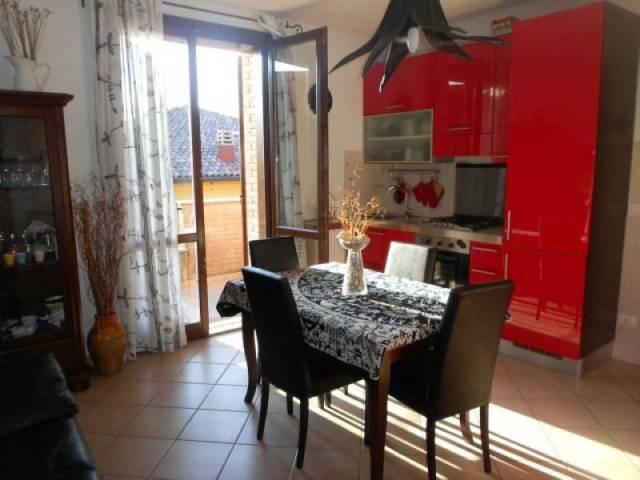 Appartamento in ottime condizioni parzialmente arredato in vendita Rif. 4999291