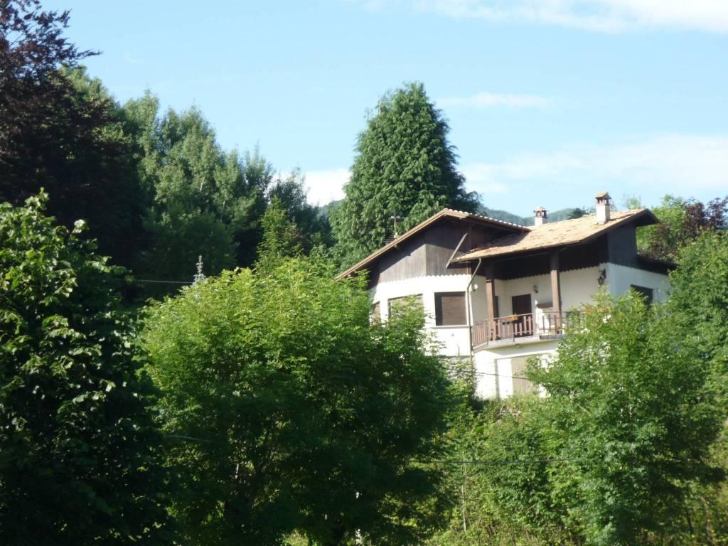 Villa in vendita a Bellagio, 4 locali, prezzo € 220.000 | PortaleAgenzieImmobiliari.it