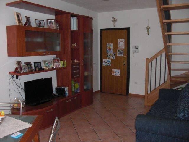 Appartamento in ottime condizioni in vendita Rif. 5151114