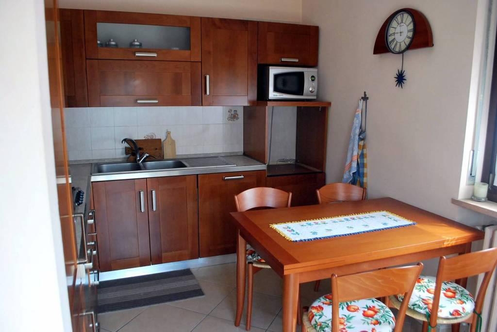 Appartamento in affitto a Alba, 4 locali, prezzo € 500 | CambioCasa.it