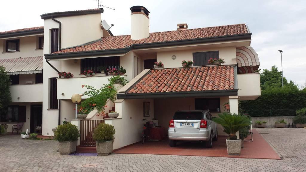 Villa 6 locali in vendita a Latisana (UD)