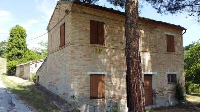 Rustico / Casale da ristrutturare arredato in vendita Rif. 4185703