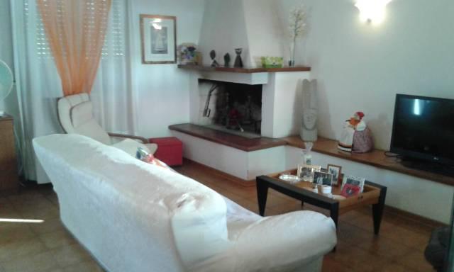 Villetta a schiera in buone condizioni in vendita Rif. 4398111