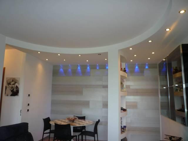 Appartamento in ottime condizioni in vendita Rif. 4402825