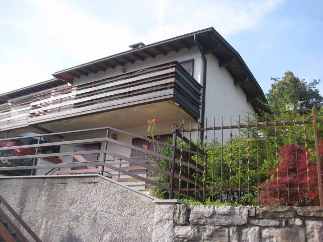 Appartamento in buone condizioni arredato in vendita Rif. 4937883