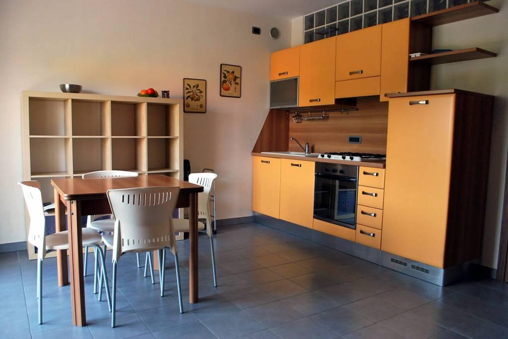 Appartamento in ottime condizioni arredato in affitto Rif. 8618037