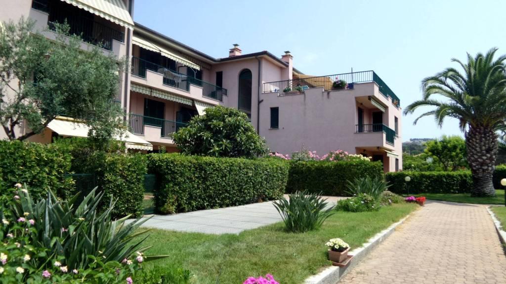 Appartamento in vendita a Santo Stefano al Mare, 2 locali, prezzo € 159.000   CambioCasa.it