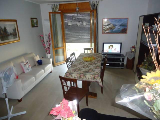 Appartamento in ottime condizioni in vendita Rif. 6609129