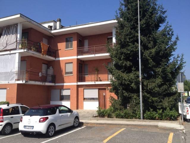 Appartamento in buone condizioni in affitto Rif. 6879271