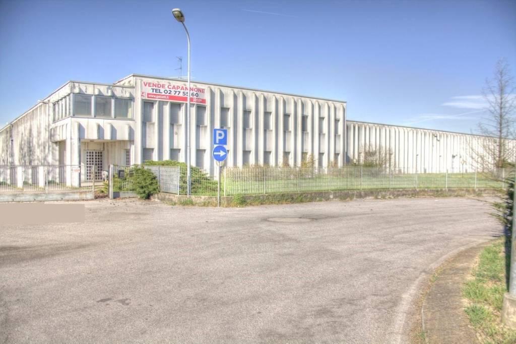 Magazzino - capannone in vendita Rif. 8327642