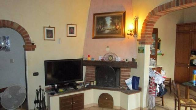Appartamento in buone condizioni in vendita Rif. 4849936